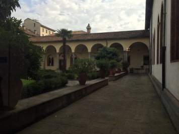 Outside the exit from the Last Supper at Santa Maria delle Grazie