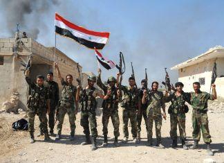 Soldati siriani festeggiano