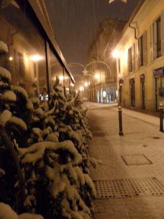 via garibaldi con la neve a saronno