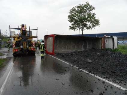 15052013 frontale Varesina il recupero dei mezzi (1)