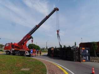 11052015 camion ribaltato origgio (12)