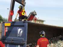 11052015 camion ribaltato origgio (19)
