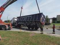 11052015 camion ribaltato origgio (39)