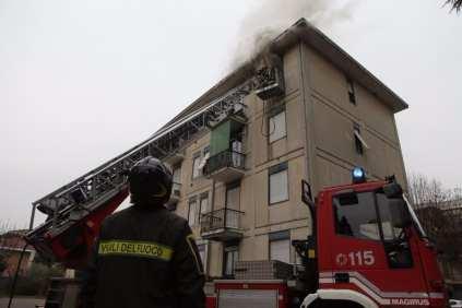 10012017 incendio appartamento via Miola 1 (13)