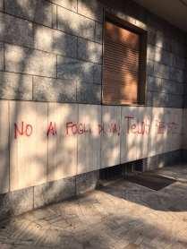 20170923 graffiti viale rimembranze (1)