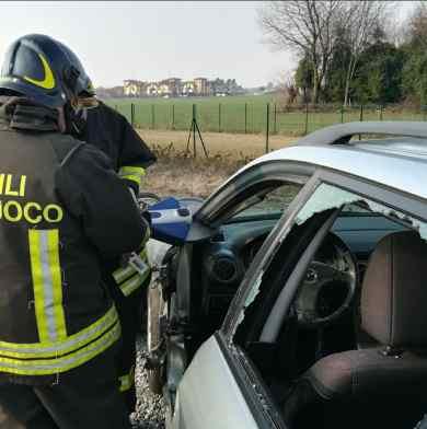 vigili del fuoco tenaglia incidenti stradali