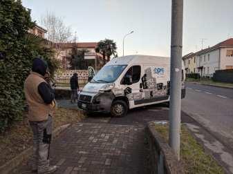 furgone tamponato solaro