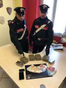 20190319 carabinieri sequestro droga hashish (1)