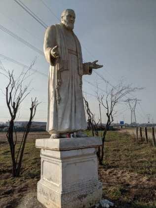 20012020 padre pio statua rovello porro (1)