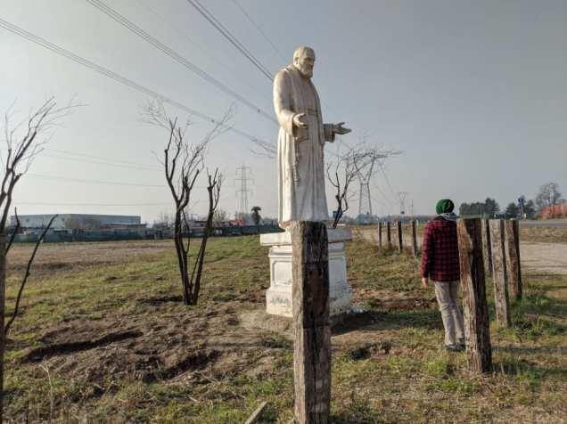 20012020 padre pio statua rovello porro (3)