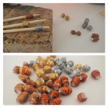 Kleine Metallic-Perlen