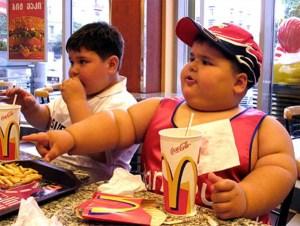 fat_kits_eating_mcdonalds