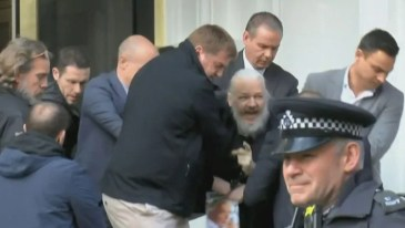 julian-assange-arrest-london-ecuador-embassy