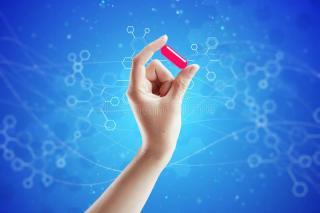 concetto-magico-della-pillola-120784020