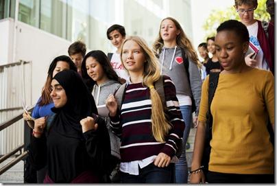 Quand les adolescents prennent la parole pour donner des conseils aux parents