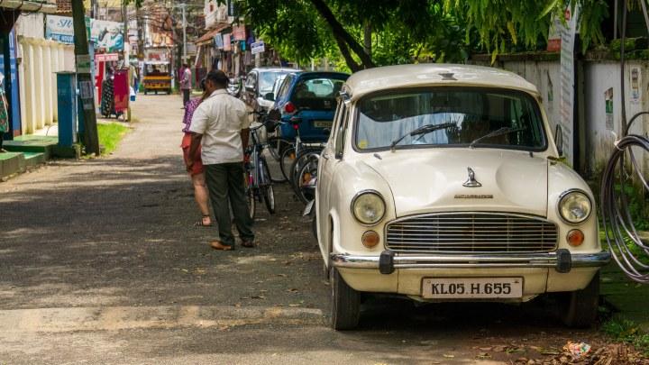 Une Ambassador dans les rues de Fort Cochin, au Kerala