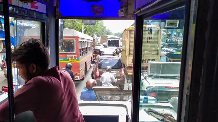 Les embouteillages de Mumbai dissuadent notre chauffeur d'aller plus loin