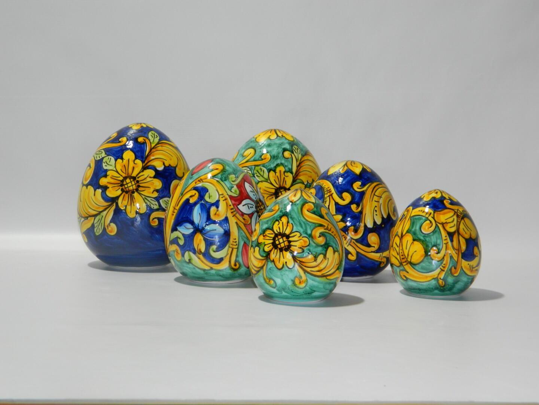 Uovo di pasqua h 6cm in ceramica di caltagirone decorato con corallo rosso. Uova Di Pasqua In Ceramica Il Tempio Della Lava