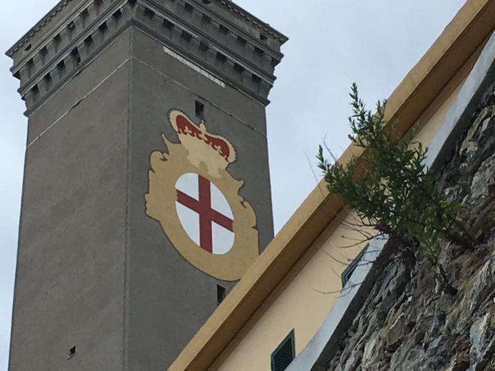 Lanterna di Genova, bandiera di Genova