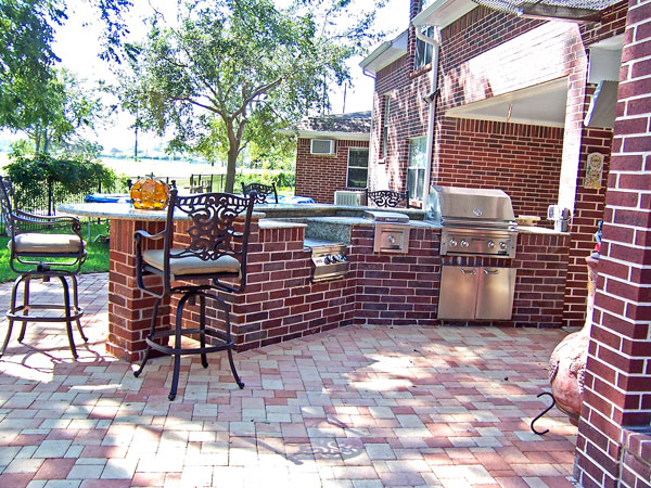 brick patio with outdoor kitchen Iltis Lending | The Florida Mortgage blog of Steve, Lisa