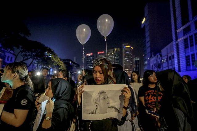 gadis islam malaysia meratapi kematian jonghyun