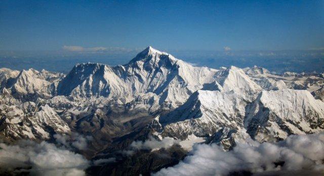 puncak gunung everest