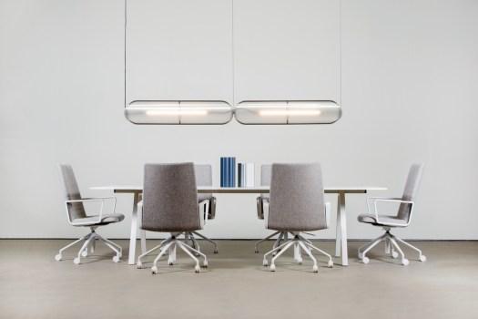 Arquitetura_lighting_design_interior_luminária_ feira _euroluce_prêmio_Salone del Mobile_Milão_ Lukas Peet