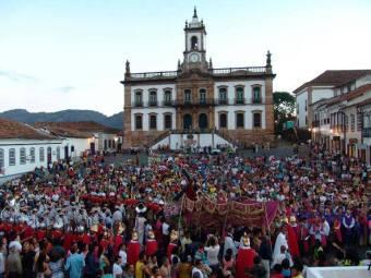 Procissão_Encontro_Ouro Preto_ Semana Santa_Praça Tiradentes_7