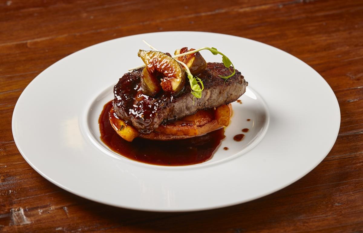 argentinsky-rib-eye-steak-s-fikovou-omackou-a-grilovanou-dyni (2)