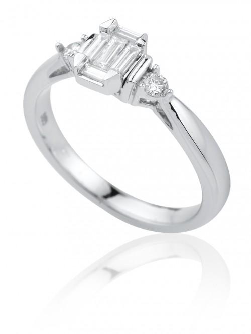 Tato briliantová kolekce zahrnuje obvyklý sortiment prstenů a5875d64a84