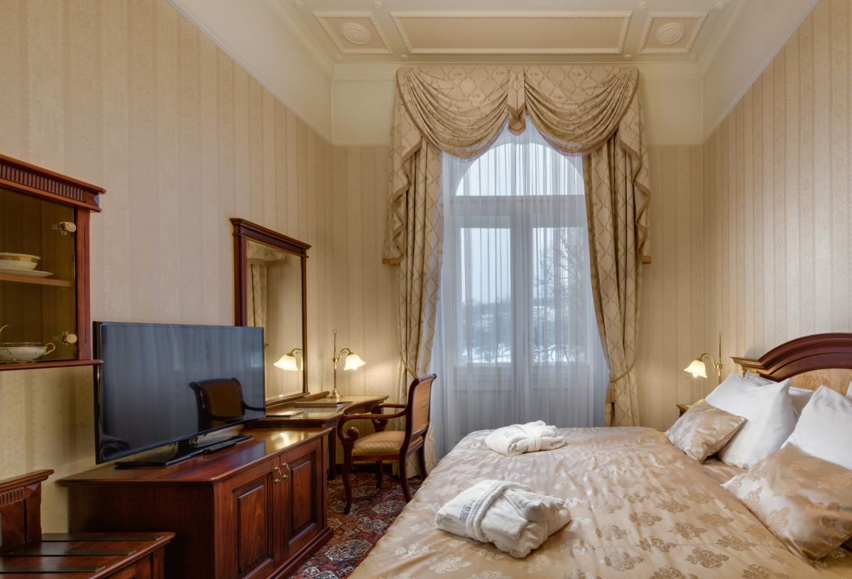 Hotel_Nove_Lazne_Suite_Rudolf_loznice
