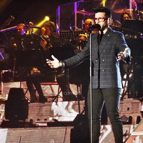 @teresa_cariello2 Piero - LivePalasport2016 tour Bari Concert 1/21/16