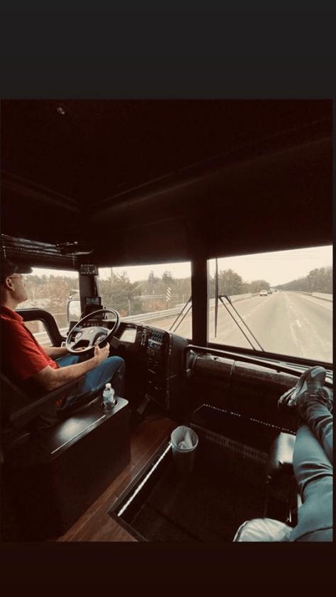 Tour Bus 04