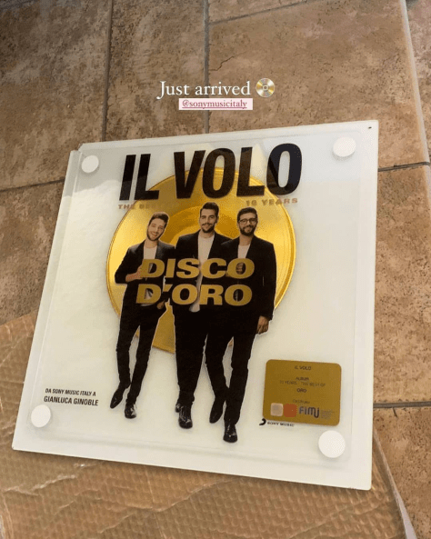 Gold CD for the IL VOLO Best of 10 Years CD