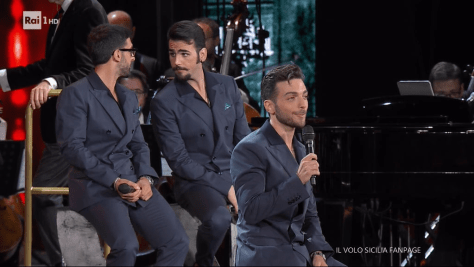 Gianluca singing his solo with Piero and Ignazio sitting behind