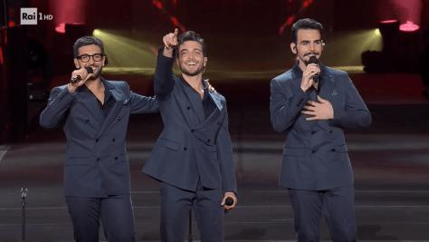 Left to right: Piero, Gianluca and Ignazio singing on the Verona Arenastage