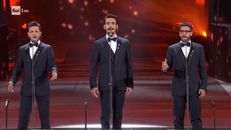 Left to right: Gianluca, Ignazio and Piero singing on the tribute stage
