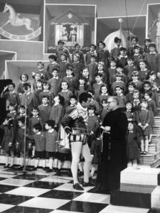 Black and white photo of the Zecchino d'oro TV show