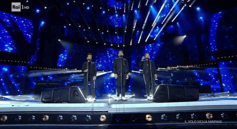 IL VOLO singing on stage