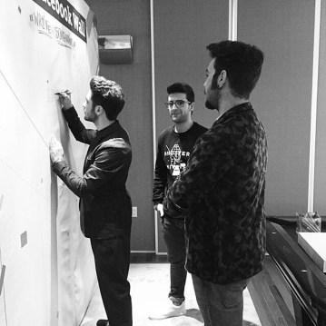 @uforiamusica Gianluca signing the Facebook wall - Latin Grammys - 2015