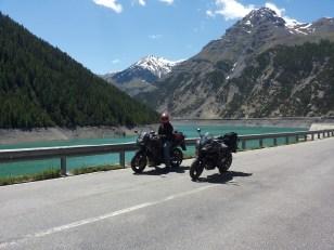 motogiro2014_austria_004_livigno_lago_attesa