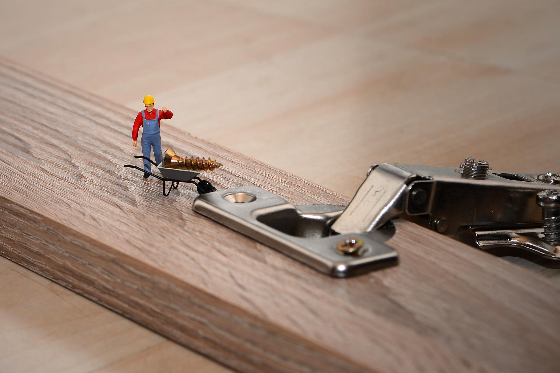 Come Costruire Sportelli In Legno falegnameria - sportelli: tipologie, cerniere e montaggio