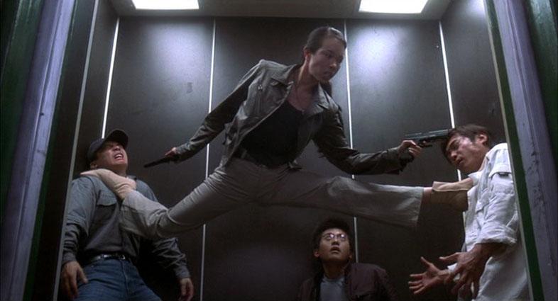 [Fight in an Elevator] Karen Mok contro tutti