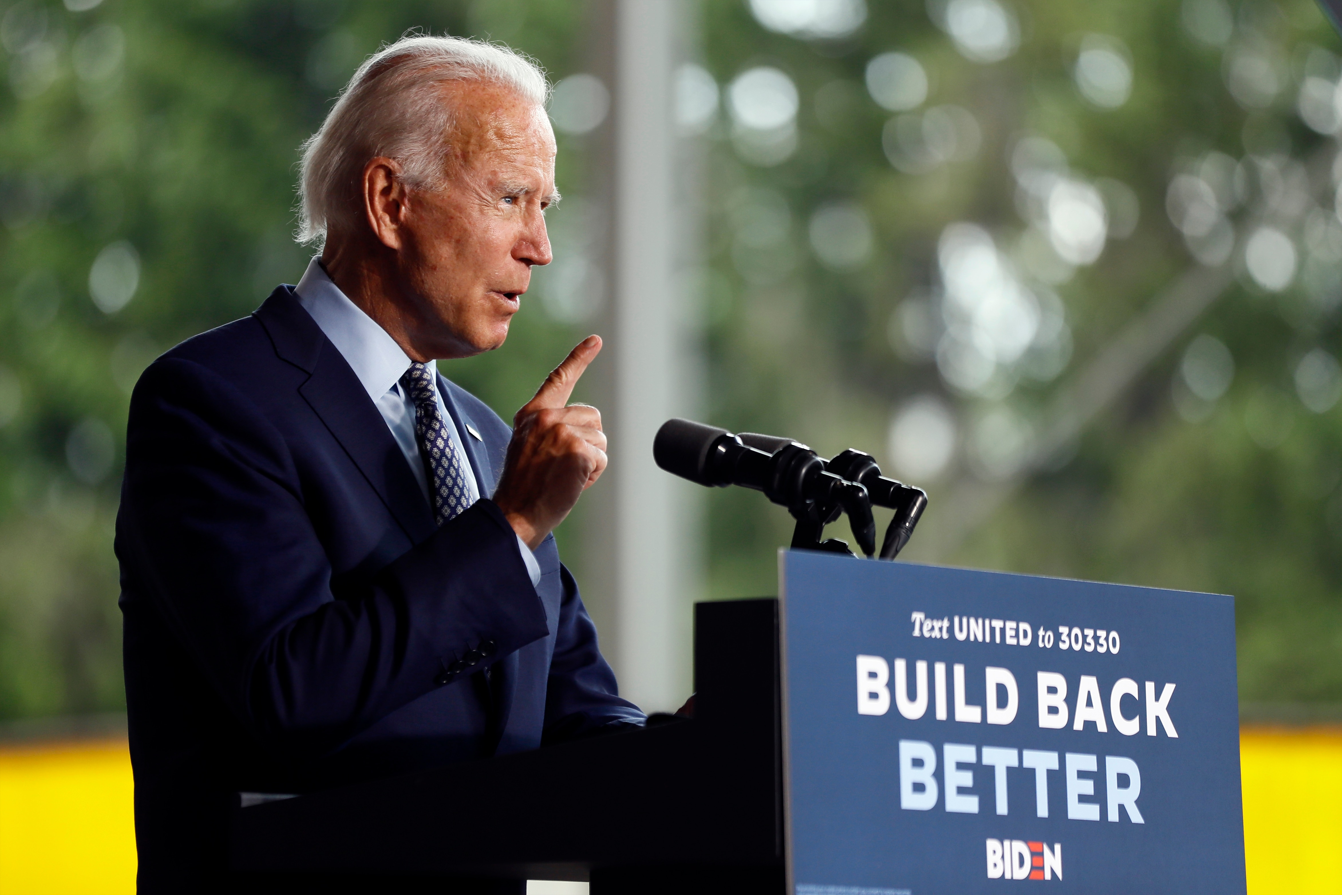 Biden Attacks Trump as Caring Only About Stock Market as US Economy Founders