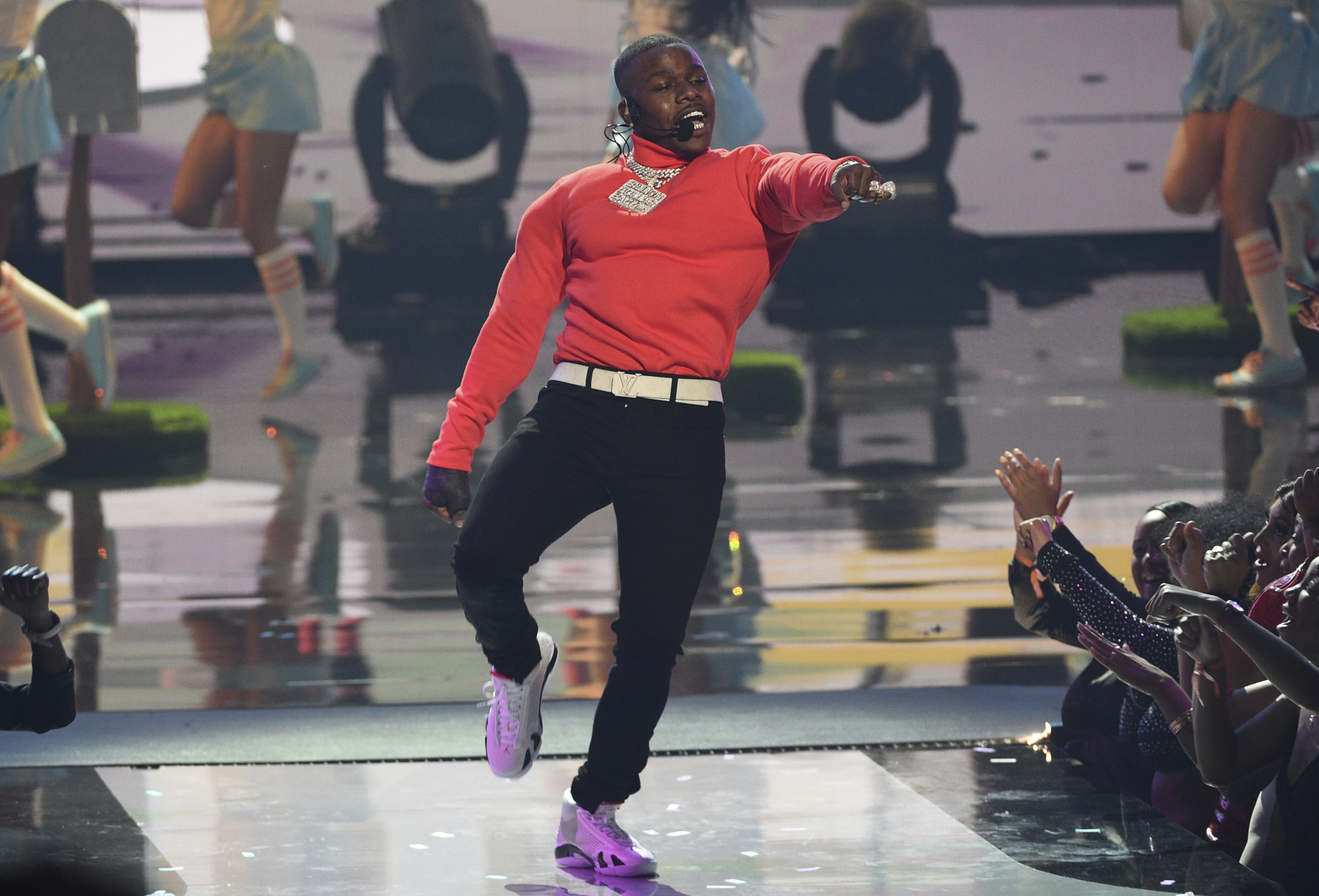 Photo of DaBaby Pays Tribute to George Floyd at BET Awards