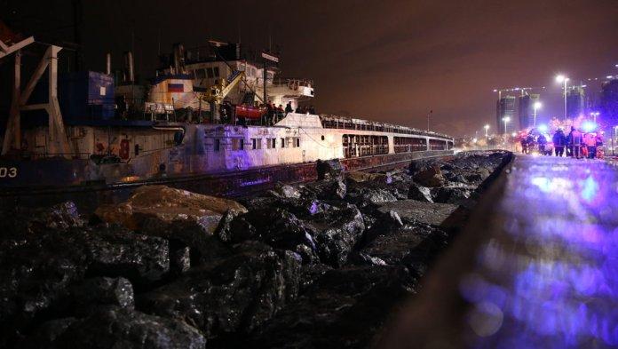 İstanbul Rus gemisi Kartal sahil karaya oturdu