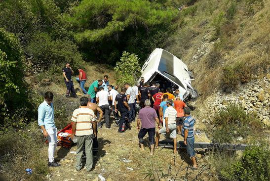 Туристический автобус попал вДТП втурецкой Анталье, есть жертвы