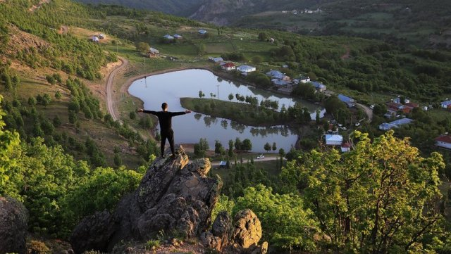 Bingöl'de adını gölden alan mezra doğal güzelliğiyle büyülüyor