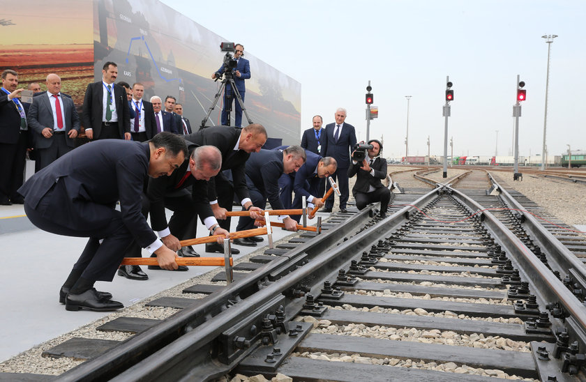 Ильхам Алиев: Азербайджан интегрирует Баку-Тбилиси-Карс иСевер