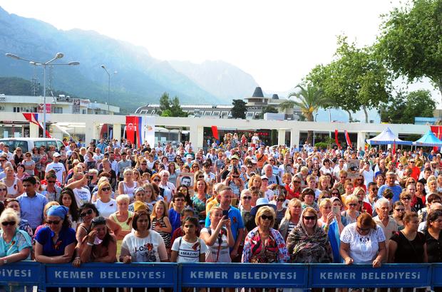 """Ruslar Antalya'da """"Zafer Günü""""nü kutladı"""